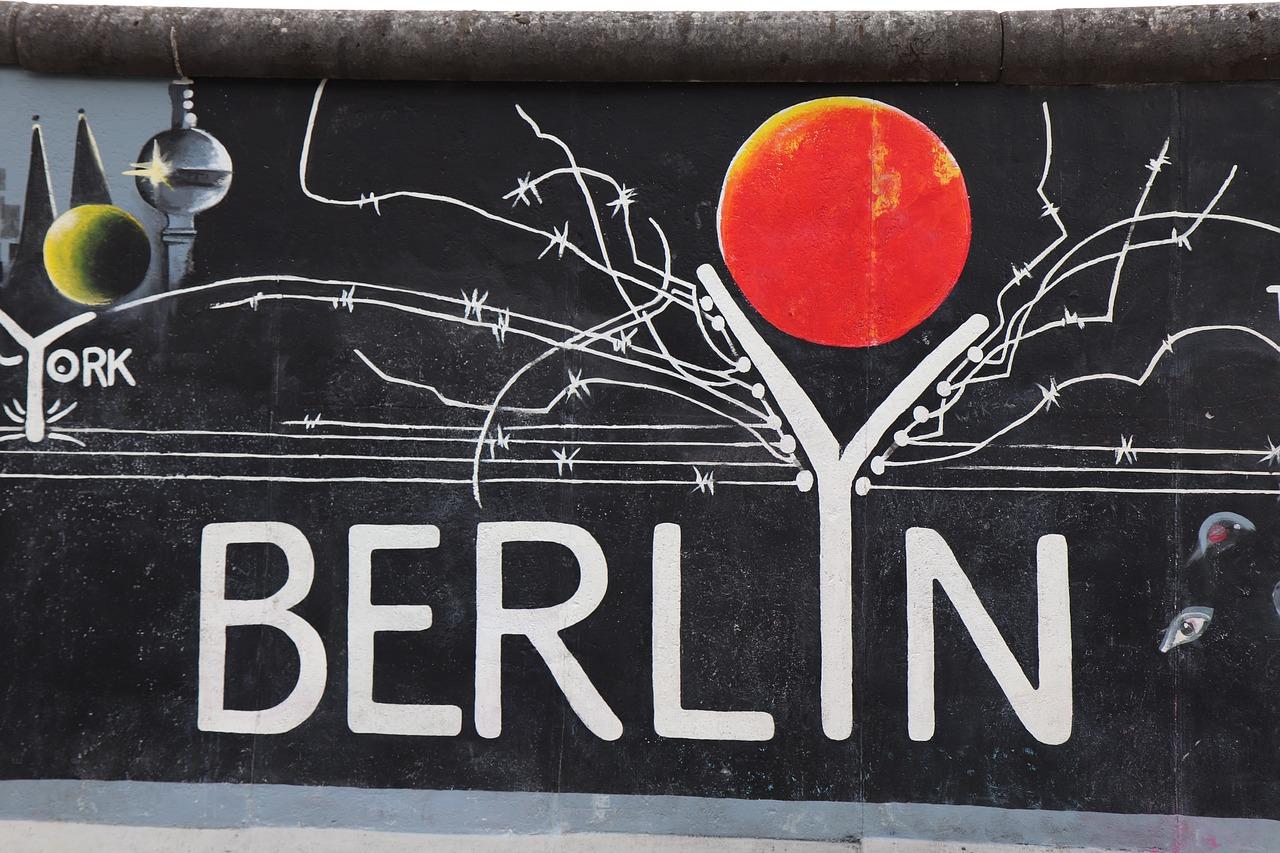 Berliner Mauer mit Berlin Motiv